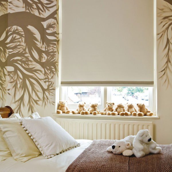 Roller blinds gallery inspiration colour choice for Blinds for kids rooms